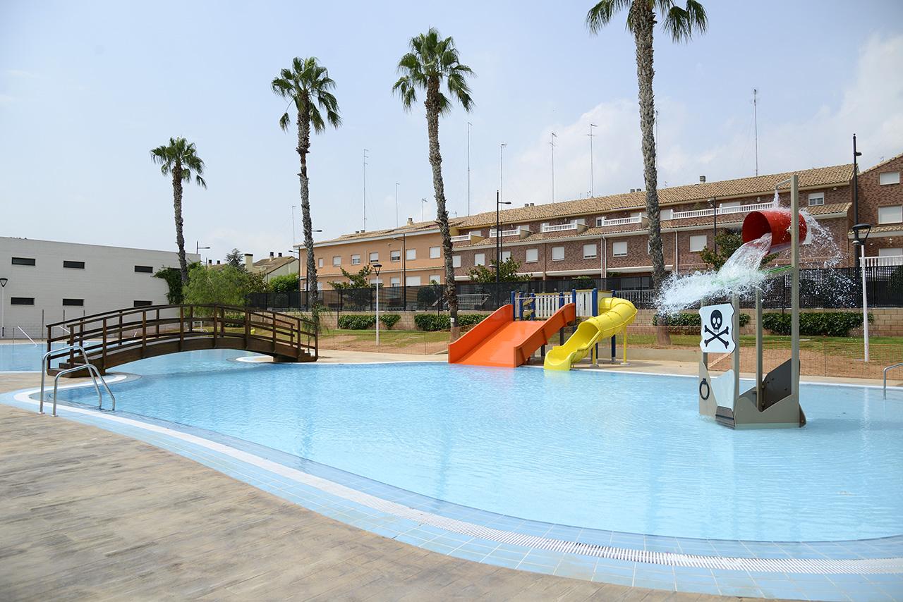 La nueva piscina l dica de verano de paiporta se for Piscina paiporta
